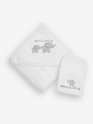 Born in 2021 Hooded Towel and Wash Mitt