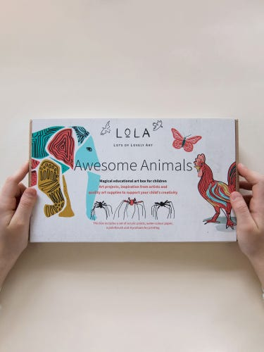 LOLA Awesome Animals Art Box for Children
