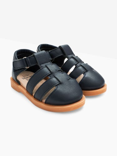 Closed-Toe Leather Sandals